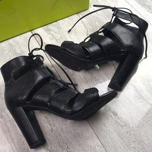 🆕Gianni Bini Zeta Lace-Up Block Heel